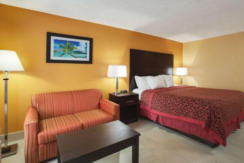 Days Inn Sarasota Bay Photo