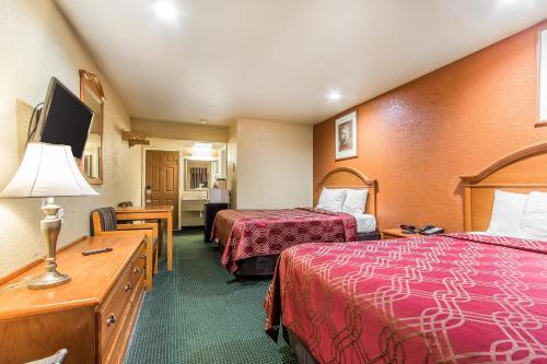 Econo Lodge Miami Photo