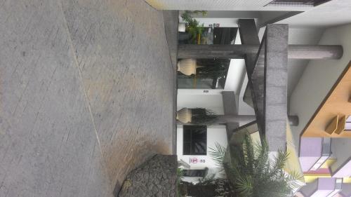 Jardim de Allah Flat Service Photo