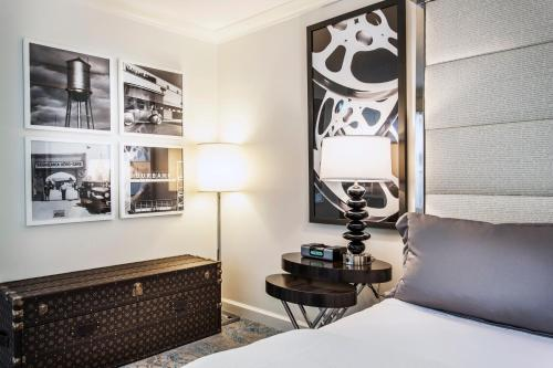 Hotel Amarano Burbank Photo