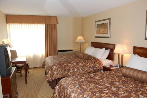 Rodeway Inn & Suites East Windsor Photo