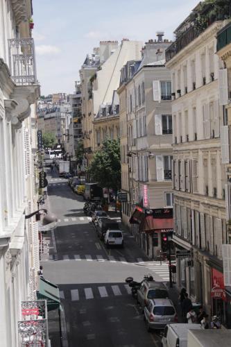 41 Rue Jean-Baptiste Pigalle, 75009 Paris, France.