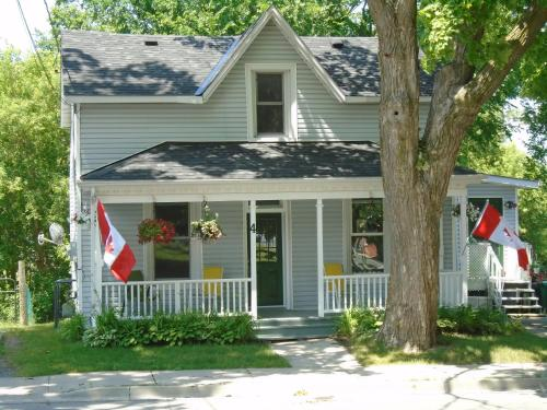 Courthouse B&b - Picton, ON K0K 2T0