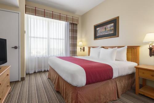 Country Inn & Suites by Radisson, Tucson Airport, AZ Photo