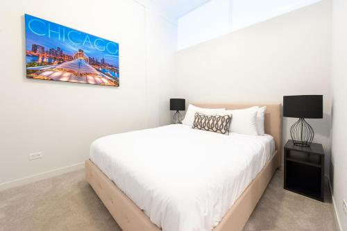Two-Bedroom on W Fullerton Avenue Apt 203 Photo