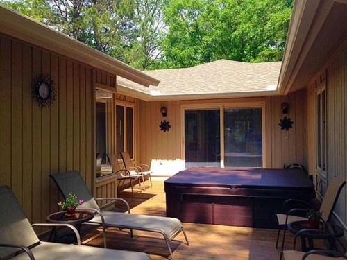23 Heath Drive Holiday Home - Hilton Head Island, SC 29928