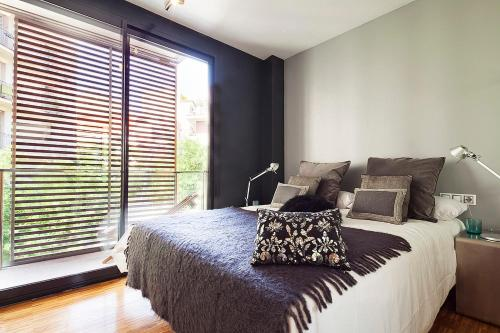 Apartment Barcelona Rentals - Sarria Apartments Near Center photo 13