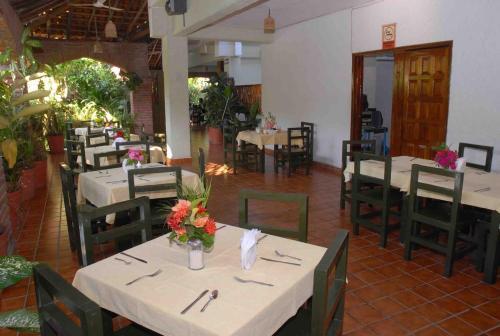 Hotel Villas Paraiso Photo