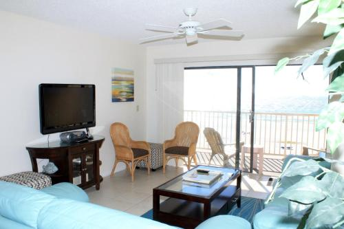 Sea Gate 202 Apartment - Indian Rocks Beach, FL 33785