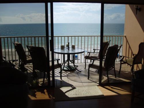 Beach Palms 406 Apartment