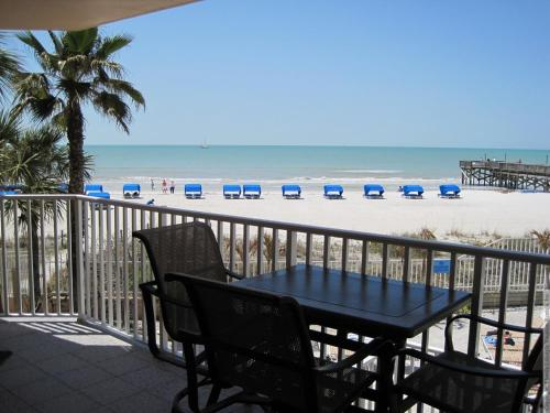 Beach Palms 109 Apartment