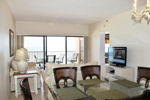 Beach Palms 505 Apartment - Indian Rocks Beach, FL 33785