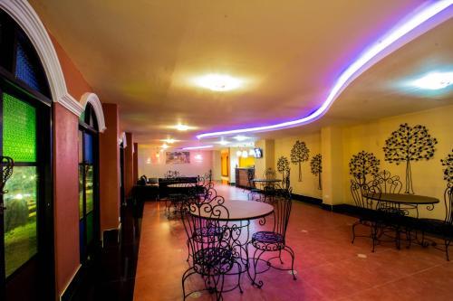 Maladee Hotel