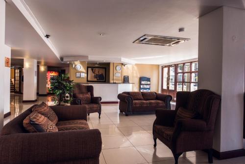 Airport Inn Executive Suites Photo
