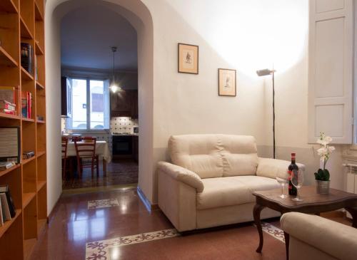 House in the San Pier Maggiore Arch