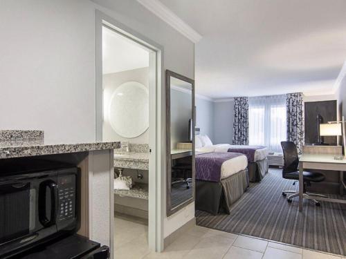 Comfort Inn Williamsburg Gateway Photo