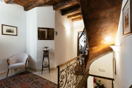 San Marco 2966, Calle delle Botteghe, Venice, 30124.