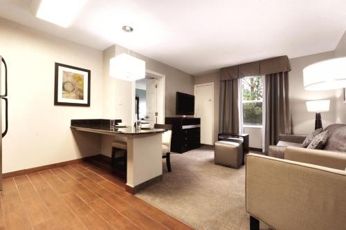 Homewood Suites By Hilton Atlanta/alpharetta - Alpharetta, GA 30005