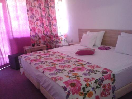 Hotel Semiramis photo 14