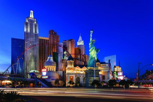 Hotels Amp Vacation Rentals Near T Mobile Arena Las Vegas Nv