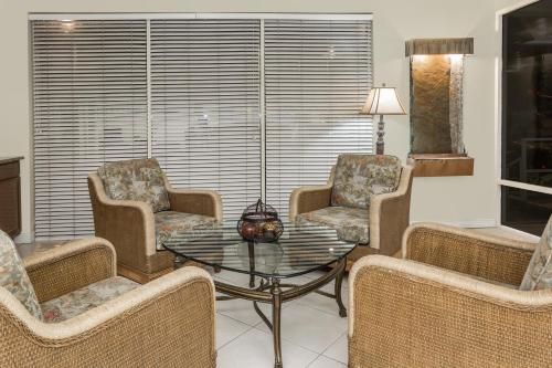 Days Inn Fort Myers Springs Resort Photo