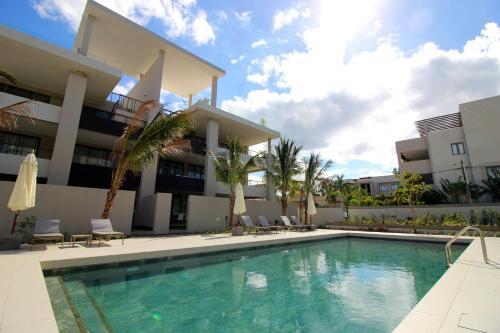 Element Bay 2 Beach Apartments by BARNES Photo