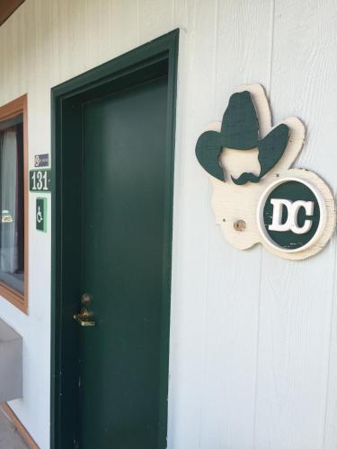 Rodeway Inn Custer Photo