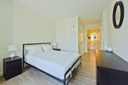 Two-Bedroom on Western Avenue Apt S - 402 Photo