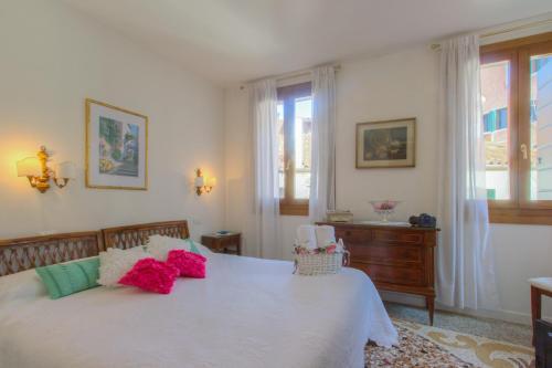 Castello 4960, Venice, 30121, Italy.