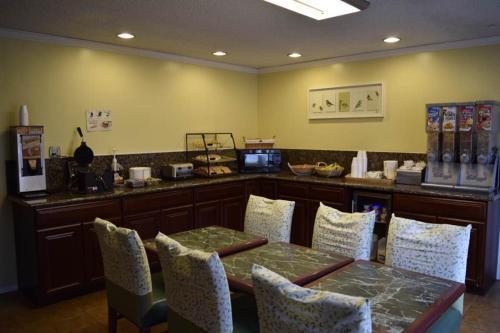 Guesthouse Inn Aberdeen - Aberdeen, WA 98520