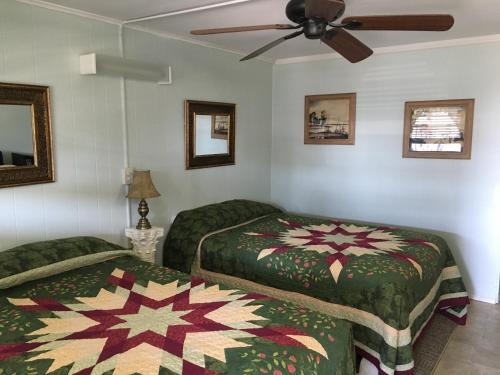 Crosswinds Motel - Old Orchard Beach, ME 04064