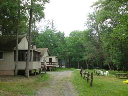 Lakeside Country Cottages Photo