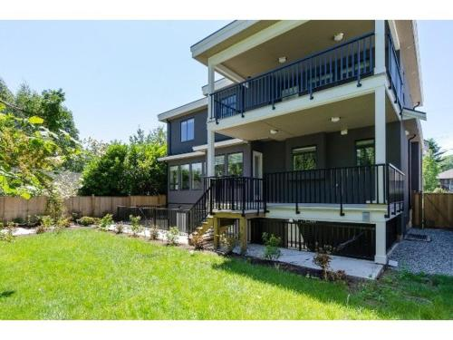 House White Rock - White Rock, BC V4B 4M9