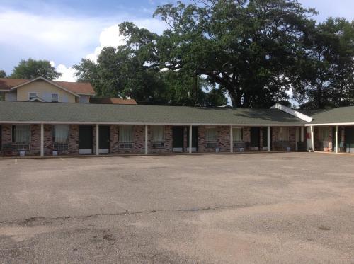 Flamingo Beach Inn - Biloxi, MS 39531