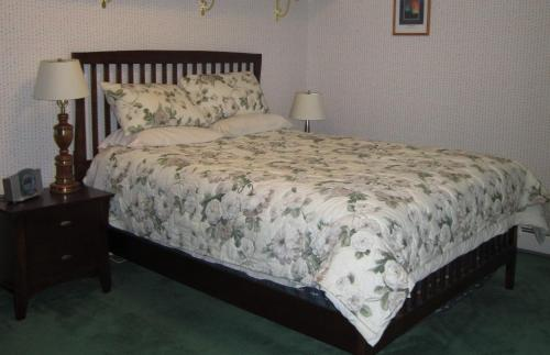 AK Golden Umbrella Bed & Breakfast Photo