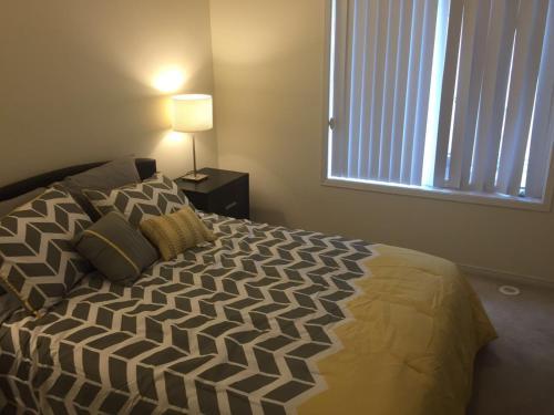 Prestigious 3 Bedroom Townhouse - Mississauga, ON L5M 0P4