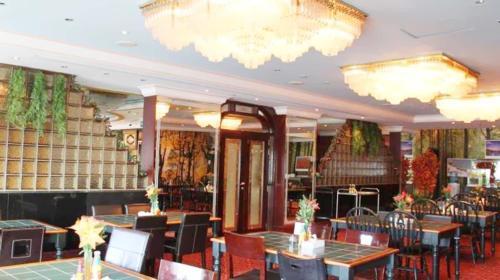 Royal Garden Hotel photo 4