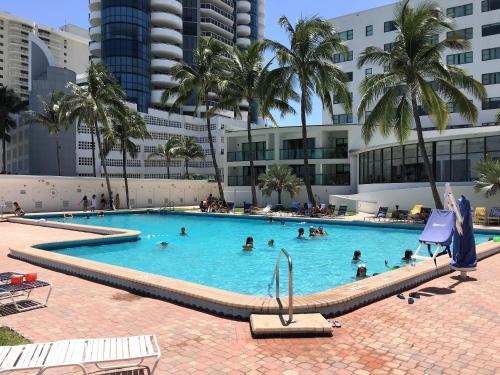 Oceanfront Studio Casablanca Miami Beach - Miami Beach, FL 33141