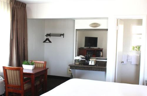 Marina Inn and Suites-Airport-Gaslamp-Zoo - San Diego, CA 92101