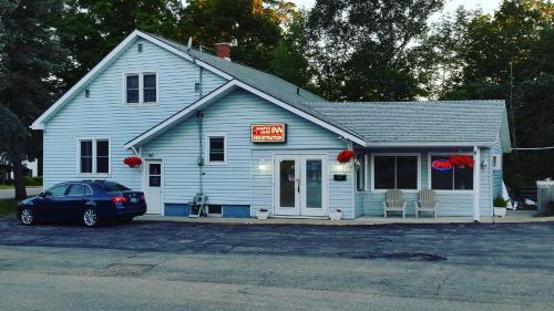 Maple Leaf Inn - Kincardine, ON N2Z 2C2