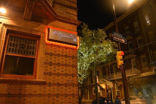 Alexander Inn Photo