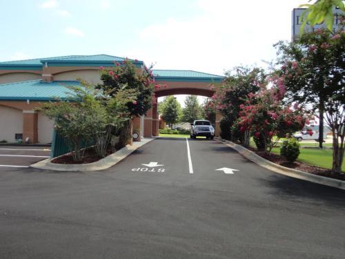Budget Inn - Northport, AL 35476