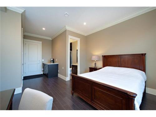 Best Home Inn - Richmond, BC V6X 1B2