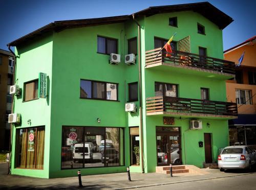 HotelPensiunea Caramida Verde