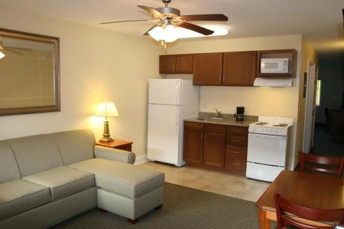 Affordable Suites Augusta Photo