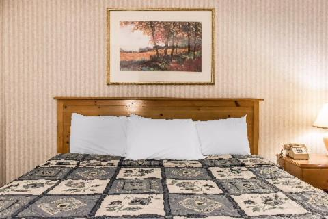 Rodeway Inn Amish Country Photo