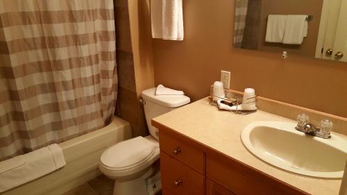 Pemberton Hotel (motel) - Pemberton, BC V0N 2L0