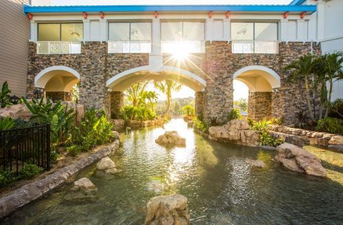 Universal's Loews Sapphire Falls Resort photo 4