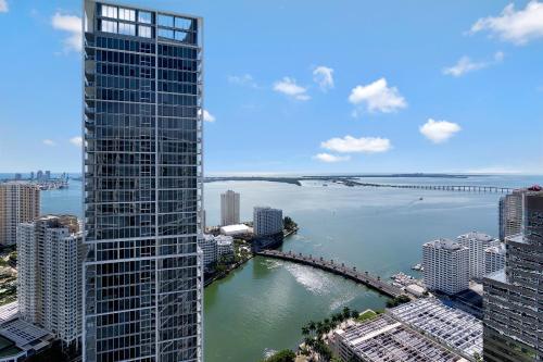 Icon Residences By Sunnyside Retreats - Miami, FL 33131