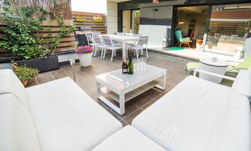 Luxury apartments and Villas impression